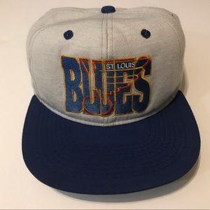 Vintage 90's St. Louis Blues Hockey NHL Snap Back